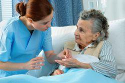 Personalmangel in der Pflege: Volksbegehren und Bundesratsinitiative