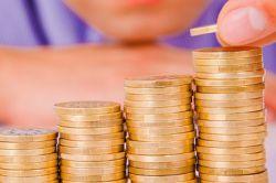Studie: Deutsche sparen mehr als zu Jahresbeginn