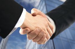 Defino und Finanzportal24 vereinbaren Zusammenarbeit
