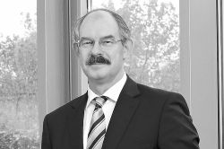 Hannover Rück trauert um Vorstandsmitglied Jürgen Gräber