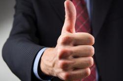 Infinus-Razzia: Hans John Versicherungsmakler beruhigt Vermittler