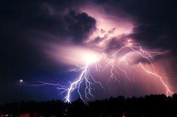 Weniger Blitzeinschläge, aber steigende Durchschnittskosten