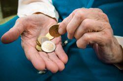 Altersarmut: Rentner können Zuschuss zur Krankenversicherung beantragen