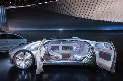 Welche Regeln Versicherer für das autonome Fahren fordern