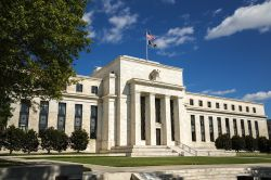 Fed hält Zinsniveau konstant
