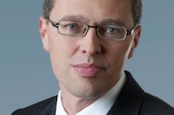 Flex Fonds bindet Vorstand Pawlik