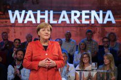 "Merkel sieht ""riesen Personalmangel"" in Pflege"
