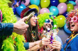 """""""Jecke Zick"""": Alaaf und Helau – Wenn Alkohol den Versicherungsschutz gefährdet"""