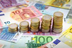 Geldvermögen: Deutsche sparen trotz niedriger Zinsen kräftig