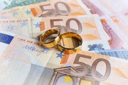 Welche finanziellen Vorteile die Eheschließung bringt