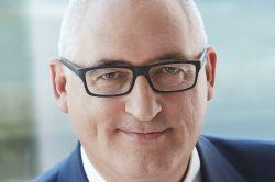 Machtzuwachs für Ergo-Manager Schinnenburg
