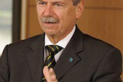 Dr. Peters bringt Rettung von zehn Tankerfonds auf den Weg