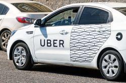 Uber finanziert Versicherungen für selbstständige Fahrer in Europa