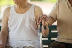 Pflegekosten: Nur jeder Zweite wäre bereit, Einkommen und Rücklagen zur Finanzierung einzusetzen