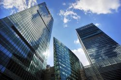Offene Immobilienfonds: Zu viel Geld für zu wenige Produkte