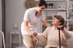 Pflege: 20 Prozent können sich ehrenamtliche Tätigkeit vorstellen