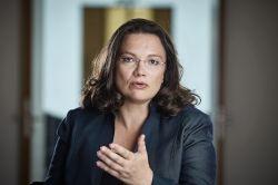 Rente für Beamte: Nahles unterstützt VdK-Forderungen