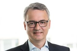 Anselm Gehling scheidet als CEO der Dr. Peters Group aus