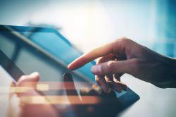 R+V nutzt künstliche Intelligenz im Austausch mit den Kunden
