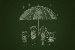 Versicherungen: Was Familien als Grundsicherung brauchen