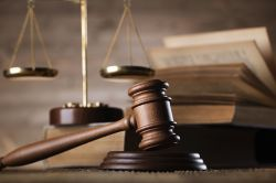 Infinus-Prozess: Verteidiger wollen 22.000 Anleger als Zeugen hören
