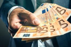 Deutsche zahlen mehr in Versicherungen ein