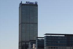 Patrizia kauft Berlins höchsten Büroturm