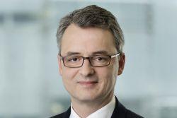 Dr. Peters erarbeitet Lösung für zwei A380-Fonds