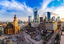 Investoren reißen sich um Bürotürme in Frankfurt