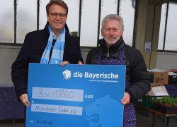Die Bayerische: Ein Scheck für Paul Breitner